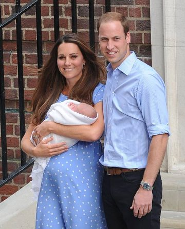 I mean, c'mon. Who looks like this the day after giving birth? Must be one of the royal impersonators.