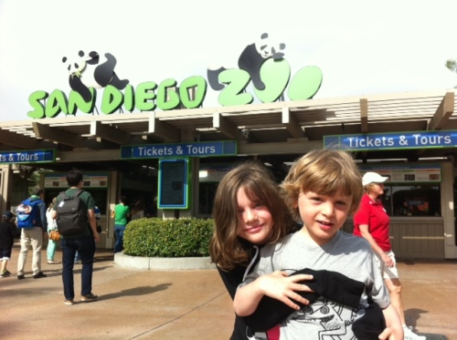 Avery and Bennett pose outside the San Diego Zoo.