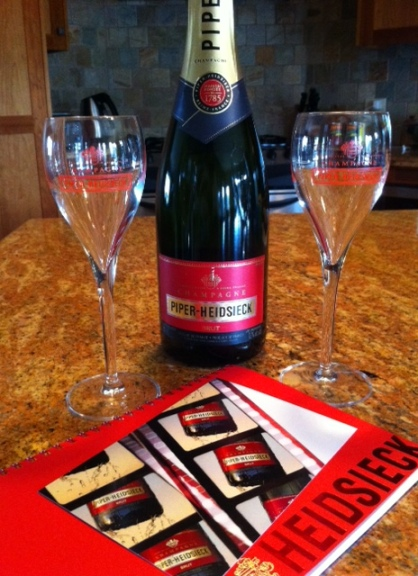 Let's toast the 87th Academy Awards with the exclusive champagne of the Oscars, Piper Heidsieck.
