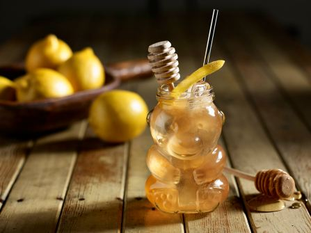 I love this spring cocktail. Gin, lemon juice and honey suits the season.