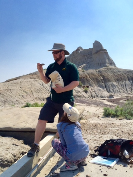 Guide Jarrid Jenkins educates us about Centrosaurs and their fossilized remains.